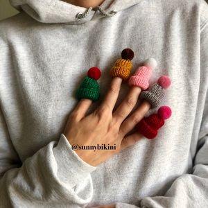sunnybikini Jewelry - NWT Mini Colorful Wool Hat with Buboin Brooch Pins